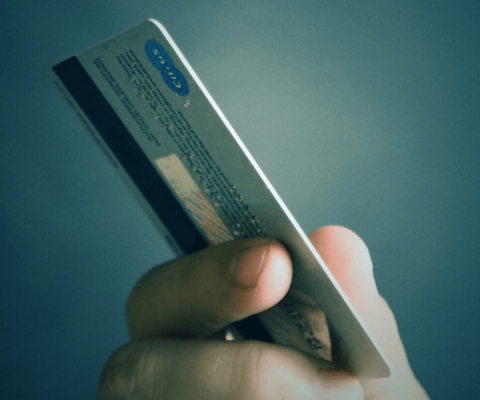 Opposition carte bancaire à la Caisse d'Epargne : comment faire ?